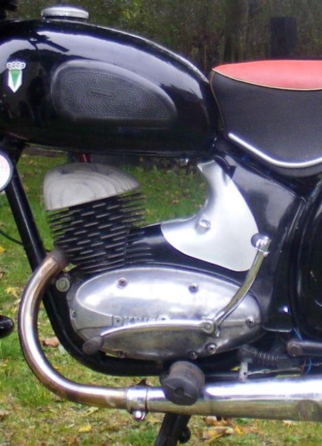 MOTOS PARA EL RECUERDO DE LOS ESPAÑOLES-http://buyvintage1.files.wordpress.com/2008/02/1959_dkw_04.jpg?w=470&h=651