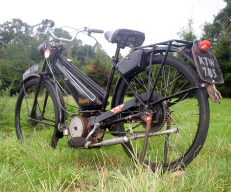 MOTOS PARA EL RECUERDO DE LOS ESPAÑOLES-http://buyvintage1.files.wordpress.com/2008/04/1946-james-superlux-autocycle_29.jpg?w=470&h=390