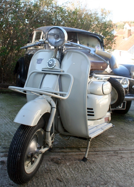 1956_moby_scooter10