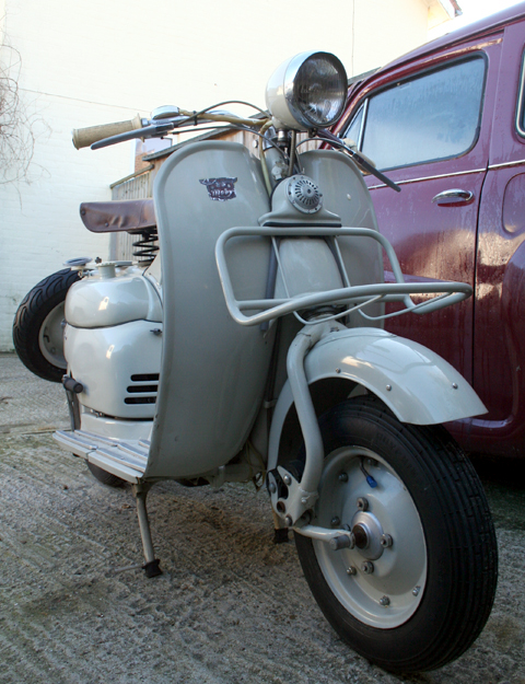 1956_moby_scooter11