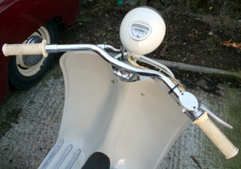 1956_moby_scooter12