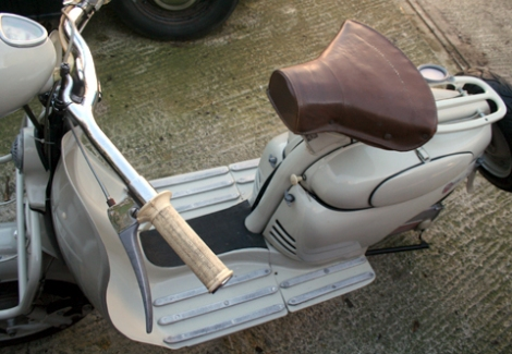 1956_moby_scooter141