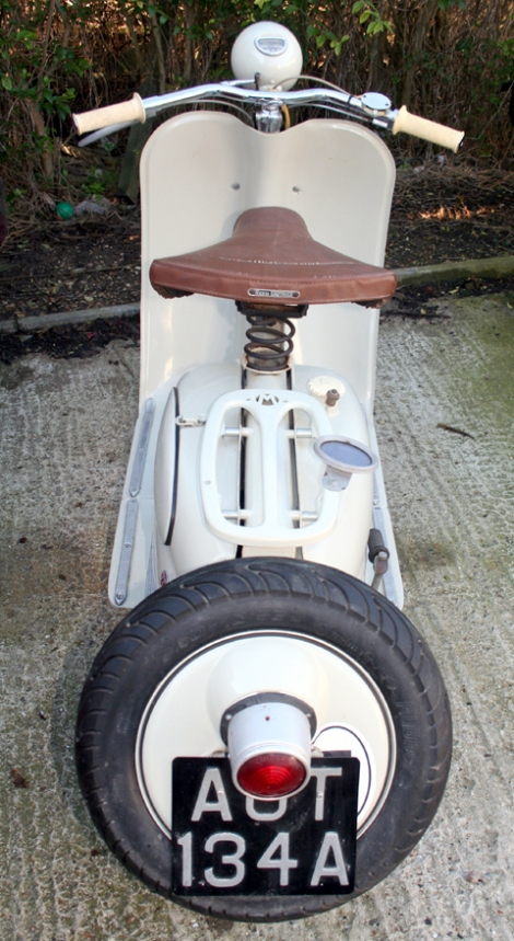 1956_moby_scooter15