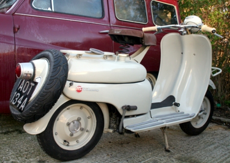 1956_moby_scooter16