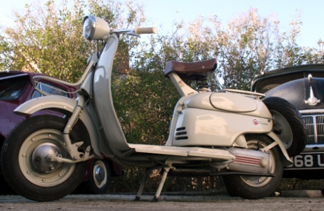 1956_moby_scooter2