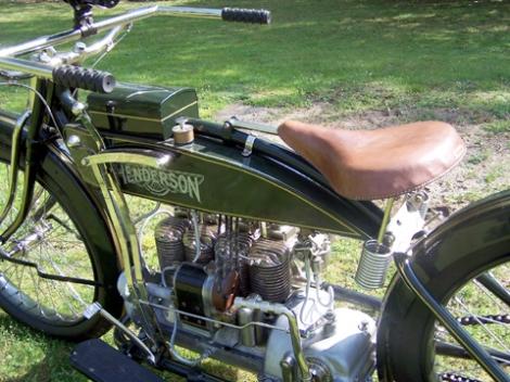MOTOS PARA EL RECUERDO DE LOS ESPAÑOLES-http://buyvintage1.files.wordpress.com/2008/04/henderson_inline11-copy.jpg?w=470&h=352