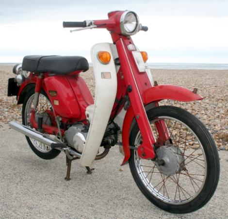 Suzuki_F50_1