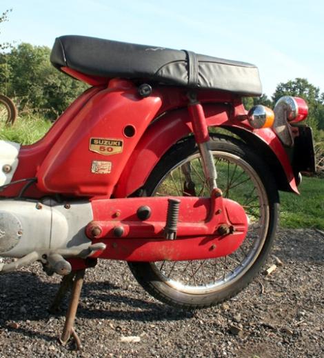 Suzuki_F50_11