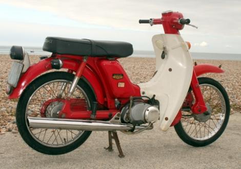 Suzuki_F50_4