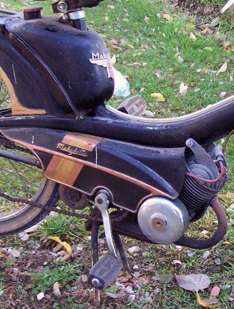 MOTOS PARA EL RECUERDO DE LOS ESPAÑOLES-http://buyvintage1.files.wordpress.com/2008/05/mobylette_3.jpg?w=470&h=621