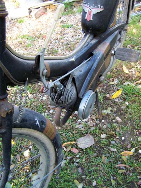 MOTOS PARA EL RECUERDO DE LOS ESPAÑOLES-http://buyvintage1.files.wordpress.com/2008/05/mobylette_4.jpg?w=470&h=625