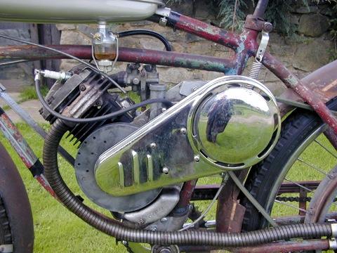 MOTOS PARA EL RECUERDO DE LOS ESPAÑOLES-http://buyvintage1.files.wordpress.com/2008/09/whizzer5.jpg?w=480&h=360