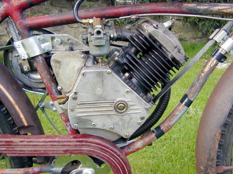 MOTOS PARA EL RECUERDO DE LOS ESPAÑOLES-http://buyvintage1.files.wordpress.com/2008/09/whizzer7.jpg?w=480&h=360