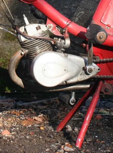 MOTOS PARA EL RECUERDO DE LOS ESPAÑOLES-http://buyvintage1.files.wordpress.com/2010/10/1956_phillips_gadabout_10.jpg?w=470&h=638