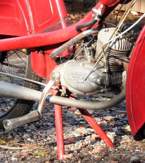 MOTOS PARA EL RECUERDO DE LOS ESPAÑOLES-http://buyvintage1.files.wordpress.com/2010/10/1956_phillips_gadabout_3.jpg?w=470&h=527