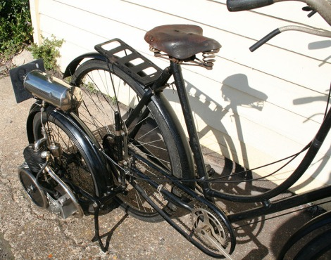 1913-ROVER-WALL-AUTOWHEEL-1